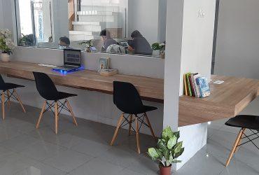 Pilih Mana? Kerja di Coworking Space atau Coffee Shop?