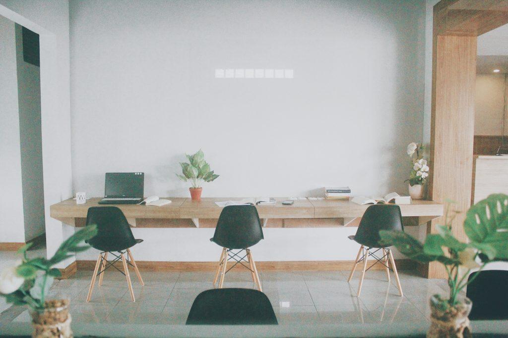 4 Alasan Kamu Perlu Mencoba Kerja di Coworking Space